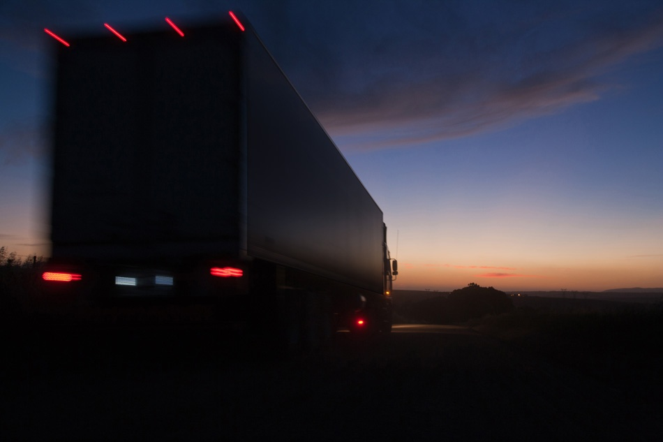 Trucking Industry Trends: 5 Critical Issues in Trucking Today